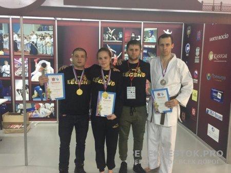 Каратисты-чемпионы