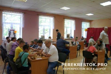 В городе Бологое играли в шахматы...