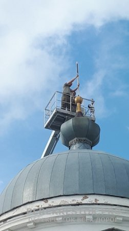 Новые кресты на храме в с. Куженкино