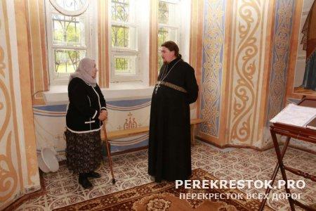 Почетной прихожанке Свято-Троицкого храма - 90 лет